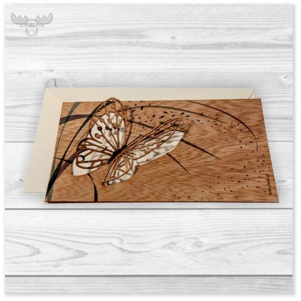 Holzgrußkarte mit Schmetterling