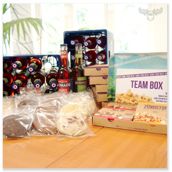 Team-Snackbox für Mitarbeiter mit Snacks, Cookies und Getränken