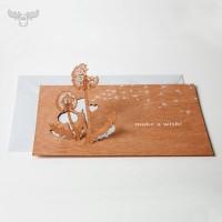 Grußkarte aus Holz mit Pusteblume