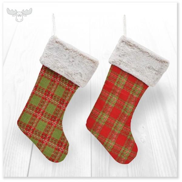Weihnachtlicher Nikolausstiefel aus Textil in Rot und Grün