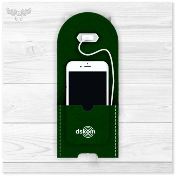 Stationäre Ladestation aus Filz für die Handys Ihrer Mitarbeiter mit Logodruck in Grün